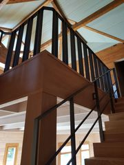 Изготовление и продажа деревянных лестниц.